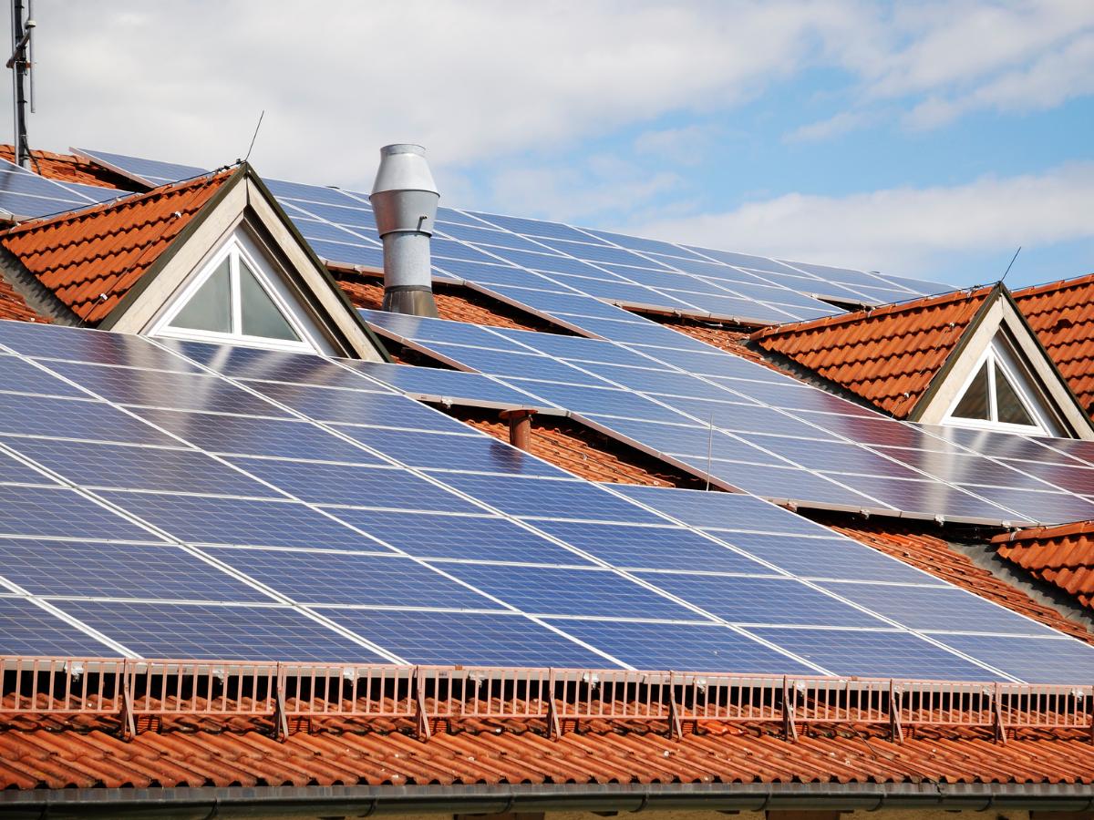 Zahns Energy - Roof mount installation1